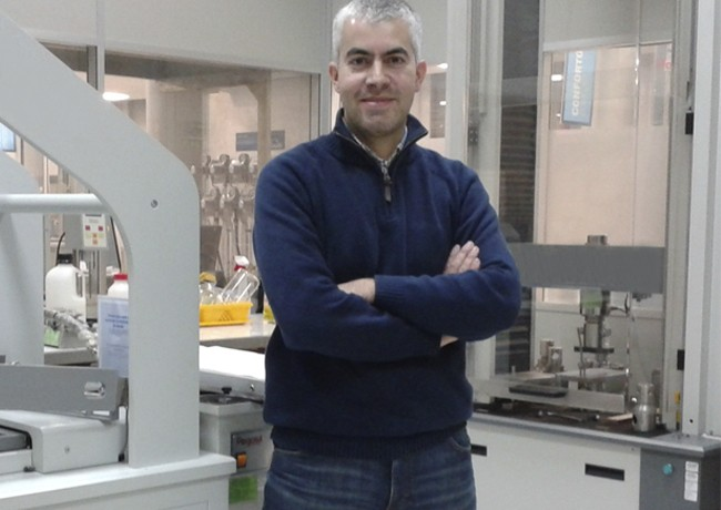 Skypro Product Director, Ricardo Silva, in a laboratory.